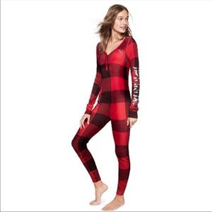 VS Pink Bling Buffalo Plaid Onesie Pajamas 💋